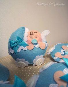 carricoche azul con bebé