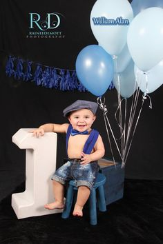 One year old picture ideas Boys 1st Birthday Party Ideas, 1st Birthday Photoshoot, One Year Birthday, Baby Boy First Birthday, Boy Birthday Pictures, Baby Boy Pictures, First Birthday Photos, Cute Family Photos, Monster 1st Birthdays