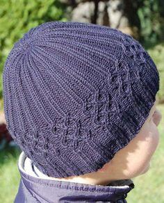 Вязаная шапка для мальчика   Вязание спицами и крючком – Азбука вязания