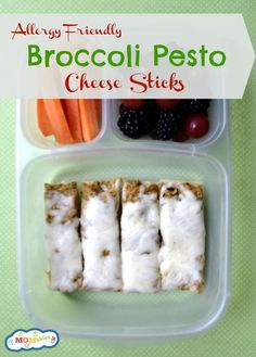 These broccoli pesto cheese sticks are a delicious and easy lunch! | MOMables.com