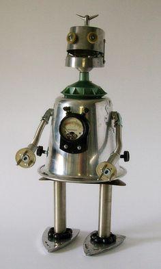 "Weidenhoff robot | Weidenhoff (25"") Towering over his robot … | Flickr"