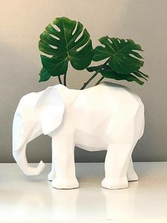 En selva urbana realizamos nuestros trabajos a mano, son piezas de diseño creadas por nosotros. #hechoamano #cactus #colores #diseño #happy #design #elephant #elefante #elephantpot #cactus #planta #plantas #plantaaerea #heavymetal #dead #dessert #desierto #pot #decoracion #decor #deco #art #handmade