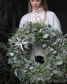 Likes, 57 Comments - Rune Aas Strandvik (Run. Decorations Christmas, Christmas Door Wreaths, Christmas Time, Christmas Crafts, Holiday Decor, Corona Floral, Natural Christmas, Deco Floral, How To Make Wreaths