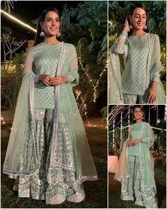 Pakistani Party Wear Dresses, Simple Pakistani Dresses, Pakistani Wedding Outfits, Pakistani Fashion Casual, Designer Party Wear Dresses, Pakistani Dress Design, Indian Designer Outfits, Bridal Outfits, Indian Outfits