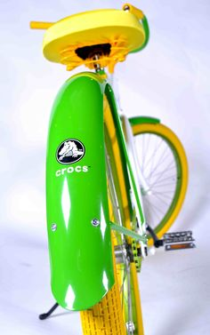 Villy Customs created a lime green cruiser for Crocs! Cycling News, Custom Bikes, Bicycles, Crocs, Lime, Branding, Green, Fun, Bicycle