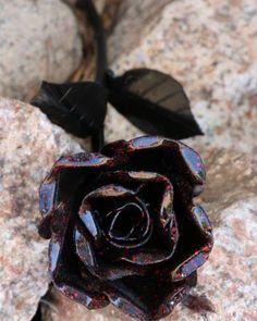 Emo rose by @darkhorsewelding - #westcoweld #weldart #ukwelding #welding #sculpture #rose #flower #emo #dark
