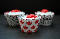 What better way to show your Canadian pride at your wedding then with these cupcakes and cupcake liners from The Caketress. Love the whole red maple leaf elements on the liners and piped on top of each mini-cake themselves. Canadian Cuisine, I Am Canadian, Canadian Food, Canadian Party, Celebration Cakes, Birthday Celebration, Cake Toronto, Happy Birthday Canada