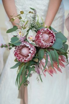A Tropical Wedding At Kualoa Ranch Wedding Favours Luxury, Creative Wedding Favors, Inexpensive Wedding Favors, Elegant Wedding Favors, Luxury Wedding, Wedding Reception, Wedding Gifts, Protea Bouquet, Party