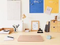 [Werbung | @microsoft] DIY Microsoft Kork Pinnwand #KreativMitMicrosoft | Home Office / Arbeitsplatz / Büro / Arbeitszimmer / Organissation / To Dos / Surface Laptop 3 / Arc Mouse [Step-by-Step-Anleitung mit Fotos] . #SurfaceLaptop3 #ArcMouse