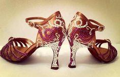 Танцевальная обувь со стразами