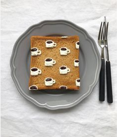 toast art, by Japanese artist Eiko Mori Cute Food, Good Food, Yummy Food, Cookies And Cream Cheesecake, Food Art For Kids, Food Carving, Bread Toast, Food Garnishes, Pastry And Bakery