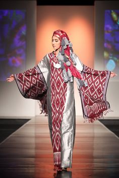 "Kasha by Sjully Darsono ""Ethnic Emotion"", Jakarta Islamic Fashion Week 2013 Modest Fashion Hijab, Abaya Fashion, Maxi Outfits, Fashion Outfits, Batik Dress, Kimono, Batik Muslim, Batik Fashion, Fashion Sewing"