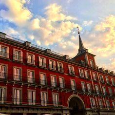 Los atardeceres en #Madrid siempre tienen algo #mágico. #i❤️madrid #spain #turismo #viaje #travel #traveler #love #turist #guidedtour #guidedbypain @jordilinares23 and @analin87 #cartagena  #Murcia #Valencia #Alicante