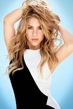 """LAS CADERAS TABASCO: Fotos: Shakira en la revista """"Glamour"""" de Rumania ..."""