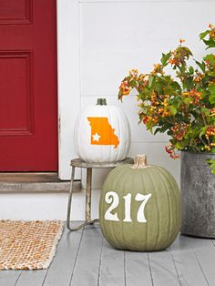 Pumpkin Decorating Ideas - How to Decorate Halloween Pumpkins - Country Living