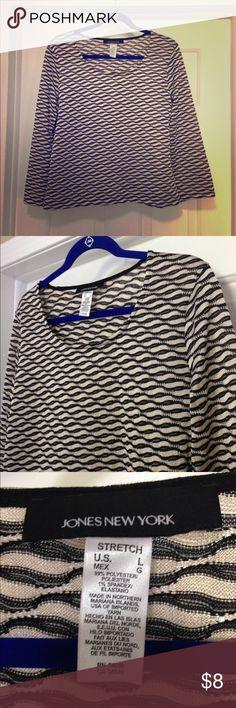 Jones NY 3/4 sleeve blouse size L Jones New York black/cream 3/4 sleeve geometric blouse size large. Excellent condition! Jones New York Tops Blouses