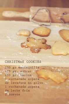 mezclar azucar, mantequilla, 1 huevo y 1 yema. Luego la harina, el polvo y por ultimo la leche. dejar reposar 1 hora. Horno 170 g Xmas Food, Christmas Sweets, Christmas Cookies, Biscuits, Biscuit Cookies, Cupcake Cookies, Cookie Recipes, Dessert Recipes, Desserts