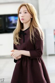 Find images and videos about kpop, snsd and girls generation on We Heart It - the app to get lost in what you love. Taeyeon Fashion, Kpop Fashion, Girl Fashion, Airport Fashion, Girls' Generation Taeyeon, Girls Generation, Korean Girl, Asian Girl, Famous Girls