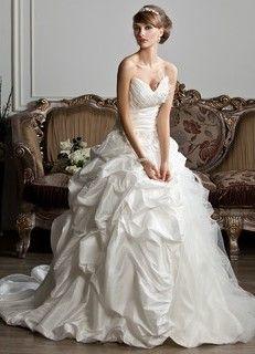 Robes de mariée, robe de mariée usagée ,robes de mariées recyclées ,robes sur mesure, robe de mariées taille plus. - Atelier Lucie St-Georges