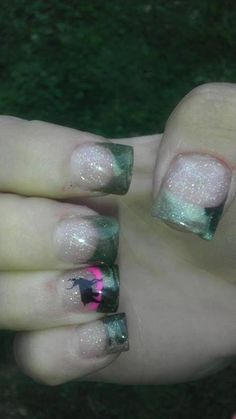 Camo nails love them but I would use real camo and and orange line not pink Camo Nail Art, Camo Nails, Glitter Nails, Love Nails, How To Do Nails, Pretty Nails, Fingernail Designs, Nail Art Designs, Country Nails