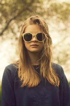 love bog circle glasses- Herschel Supply Co