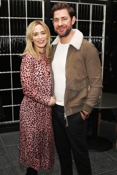 John Krasinski Says He Cried 'So Much' Watching Wife Emily Blunt in Mary Poppins Returns Image source Celebrity Outfits, Celebrity Couples, Celebrity Photos, Celebrity Style, John Krasinski Emily Blunt, Emily Blunt Mary Poppins, Priyanka Chopra Wedding, Blunt Hair