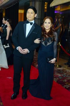 Singer-actress Jolina Magdangal in a black Nat Manilag dress with her husband, Mark Escueta at the Star Magic Ball. Photo by Nimfa Chua, ABS-CBNnews.com