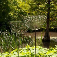 Resultado de imagen para tall fused glass outdoor sculptures