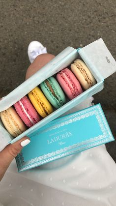 """I can never say """"no"""" to Laduree macaroons 🤩"""
