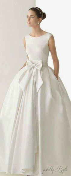 63 ideas wedding gown elegant simple rosa clara for 2019 Yes To The Dress, Dress Up, Wedding Attire, Wedding Gowns, Chic Wedding, Trendy Wedding, Elegant Wedding, Mode Pop, Beautiful Gowns