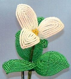 Trillium  French Bead Flower Pattern at Sova-Enterprises.com Many FREE Bead Patterns and Tutorials available!