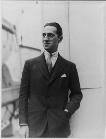 George Gershwin's Rhapsody in Blue - Neatorama John Philip Sousa, Bessie Smith, Great American Songbook, An American In Paris, Rhapsody In Blue, Jazz Band, Music Composers, Portraits, Original Song
