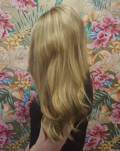 Some fantastic Blonde work produced by our apprentice Clare in tonight's training. Half head of micro foils, back half balayaged to break up colour and toned with gold Fabpro mix 😁   #hairbyclareboddy #theradicalhairdesign