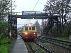 Elektrické vlaky byly nahrazovány i historickými :-) My House, Train, Strollers