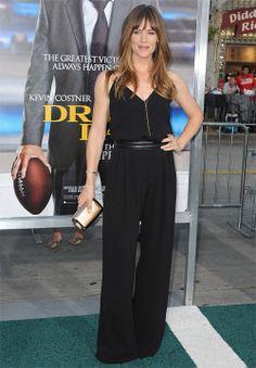 JENNIFER GARNER  Para el estreno en Los Ángeles de su cinta Draft Day, la actriz se decantó por un elegante jumpsuit negro de la firma Max M...