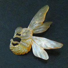 ART-NOUVEAU-CARVED-HORN-BEE-WASP-PIN-BROOCH-ELIZABETH-BONTE