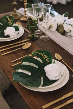 50th Birthday Centerpieces, Wedding Table Decorations, Wedding Arrangements, 50th Birthday Party, Party Centerpieces, Havana Nights Party Theme, Havana Party, Cuban Decor, Cuban Party