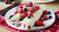 Yogurt and Berry-Stuffed Wheat Crepes! Fresh take on the classic French dessert with a great berry blend and strawberry yogurt! Tacos, Quesadillas, Köstliche Desserts, Delicious Desserts, Burritos, Goodies, Good Food, Yummy Food, Crepe Recipes