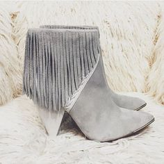 Jessica Zimmerman | ZIMMERMAN | zimmermanevents.com #jessicazimmerman #fringe #boots
