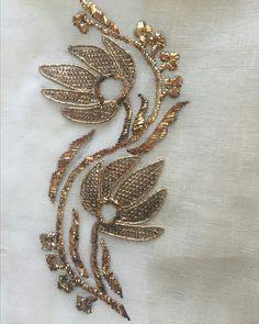 золотые нити harebell kit from golden hinde – Artofit Zardosi Embroidery, Hand Embroidery Dress, Couture Embroidery, Gold Embroidery, Hand Embroidery Stitches, Embroidery Fashion, Embroidery Jewelry, Hand Embroidery Designs, Embroidery Techniques