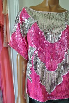 Disco Blouse Deco Pink Encrusted in Sequins by TrendRevival 1970s Disco, Disco Fashion, Absolutely Stunning, Hot Pink, Sequins, Crop Tops, Silk, Deco, Beads