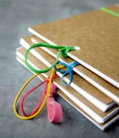DIY brag Books by Randi from swoon Diy Photo, Diy Projects To Try, Craft Projects, Craft Ideas, Album Photo Scrapbooking, Scrapbook Photos, Diy Scrapbook, Art For Kids, Crafts For Kids