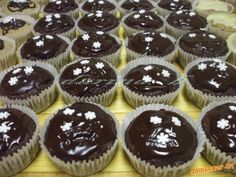 Mufiny a la Sacher - recept Sacher, Croissants, Mini Cupcakes, Cheesecake, Food And Drink, Cookies, Desserts, Recipes, Foods