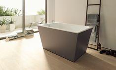 """Nei bagni piccoli o in quelli con """"piante difficili, una vasche di dimensioni contenute fa la differenza: tra averla o rinunciarci!"""