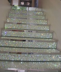 Best 12 Staircase might be the most easily overlooked place in your home you'd think to decorate. As staircase designs are challenging for decorating, so many people leave stairs bare. But after seeing these decorating ideas we've collected here, you will Wallpaper Stairs, Diy Wallpaper, Glitter Wallpaper Bedroom, Diy Tapete, Do It Yourself Design, Decoration Chic, Deco Originale, Stair Risers, Staircase Design