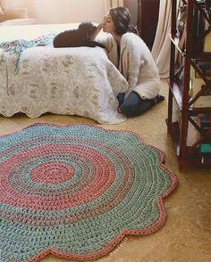 Best Knitting Ideas For Home Decor Tutorials 43 Ideas Diy Crochet Rug, Knit Rug, Crochet Carpet, Crochet Gifts, Crochet Doilies, Crochet Patterns, Crochet Decoration, Crochet Home Decor, Rag Rug Tutorial