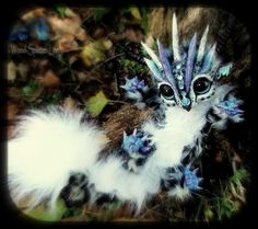 -SOLD- Posable Baby Snow Leopard Dragon by Wood-Splitter-Lee on DeviantArt Cute Fantasy Creatures, Cute Creatures, Magical Creatures, Beautiful Creatures, Wood Splitter Lee, Baby Snow Leopard, Cute Baby Animals, Animal Photography, Art Dolls