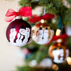 """41 Ho-ho-homemade Ornaments: Make some precious keepsakes.....Decorate Your Tree With Kids' Christmas Crafts from @AllFreeKidsCrafts....check out my (Tami's) special board,""""A Child's Art"""" , for many more hand, foot, or thumbprint ideas."""