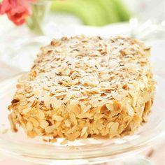Presidentin puolison mukaan nimensä saanut Ellen Svinhufvudin kakku hurmaa rapeuden, makeuden ja täyteläisyyden yhdistelmällä! Rapsakat ja kuohkeat marenkipohja Krispie Treats, Rice Krispies, Peanut Butter, Cabbage, Deserts, Vegetables, Sweet, Food, Cupcakes