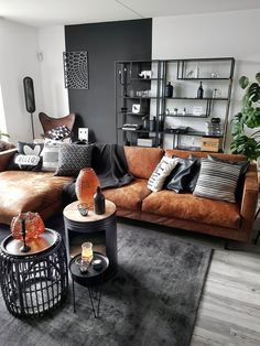 Interior design is the best thing you can do for your home Living Room Sofa, Home Living Room, Interior Design Living Room, Living Room Designs, Living Room Decor, Style Deco, Home Decor, House Yoga, Industrial Chic Decor